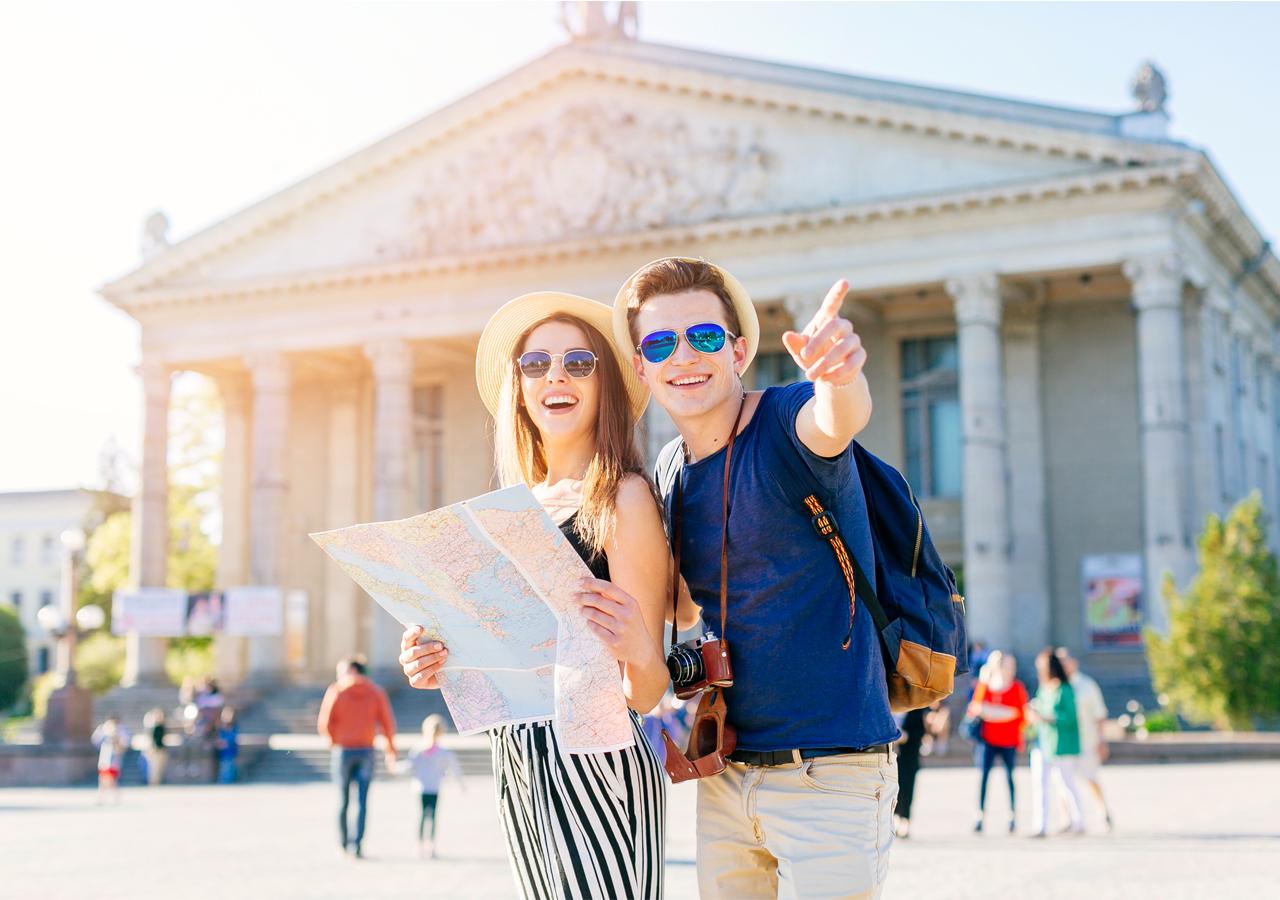 Travelling in museum make memorandum